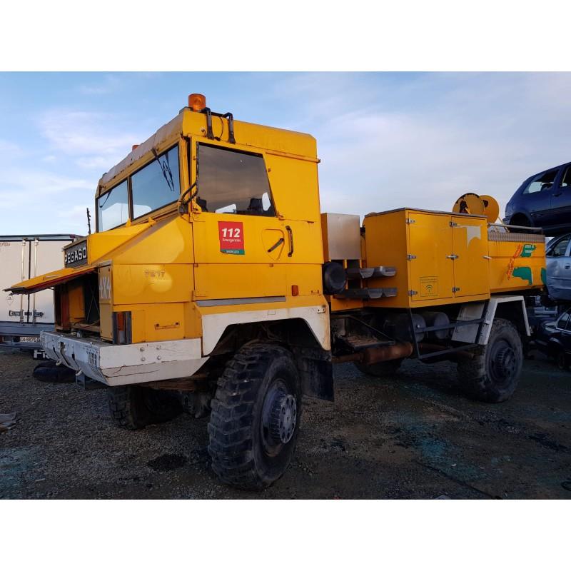 camion-con-bomba-de-agua 7