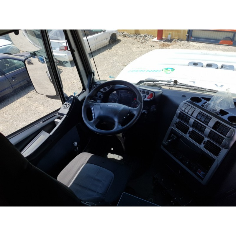 camion-iveco-ano-2009 2