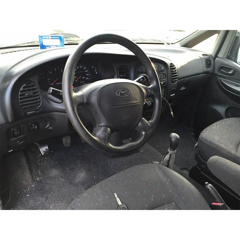 coche-hyundai-h1-de-2002-4