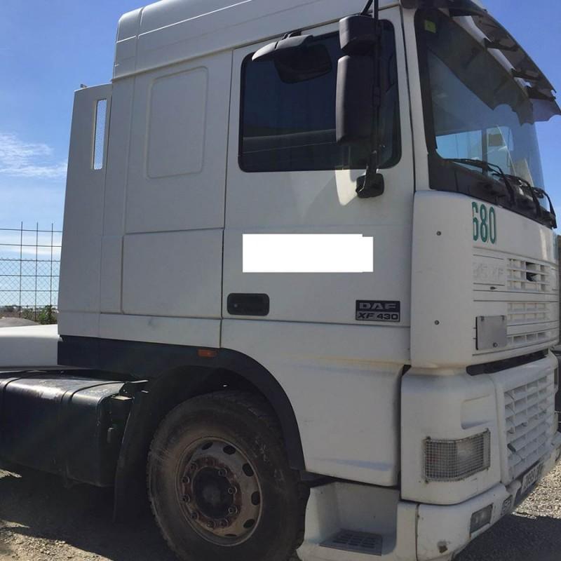 camion-daf-ft95xf490-de-2005