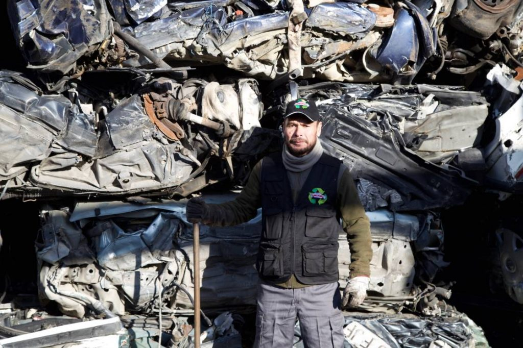 Carlos Alberto - desmontaje de piezas y servicio de mantenimiento
